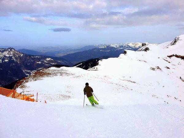 Was für ein Panorama beim #powderskiing vergangenes Wochenende am Ragazer Blanken im #schneereichdamüls ...