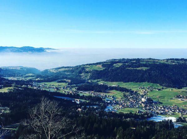#alberschwende #brüggelekopf #bregenzerwald #vorarlberg #austria #österreich #visitaustria #visitvorarlberg #visitbregenzerwald #winteriscoming #nebel #nebelmeer #fog ...