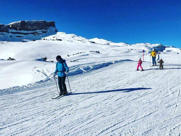 Traumhaftes Skiwetter ☀️ Gestern waren wir auf Fotoshooting auf den blauen Pisten am ...