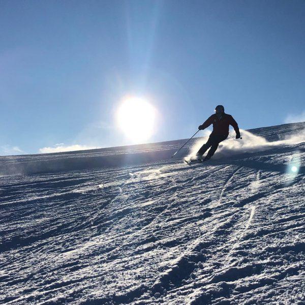 O happy day #hausbertalove #skiing #mountainlove #indibergbinigern #mountainlovers #silvrettamontafon #sunnyday #feiertagegenießen #sportstöckl #inlovewithhim ...