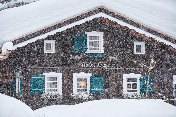 Fresh snow is coming ❄️ . Photo credit: Herbert Lehmann #snow #freshsnow #lechzuers ...
