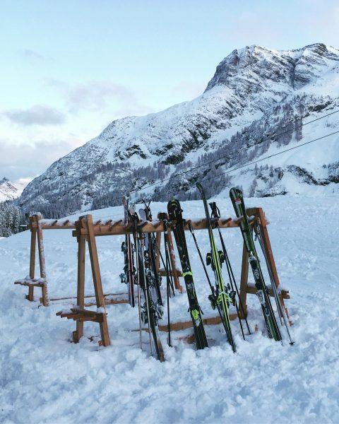 Ski-in / ski-out⛷vom Hotel aus direkt auf die Skipiste . . ✔️direkter Zustieg ...