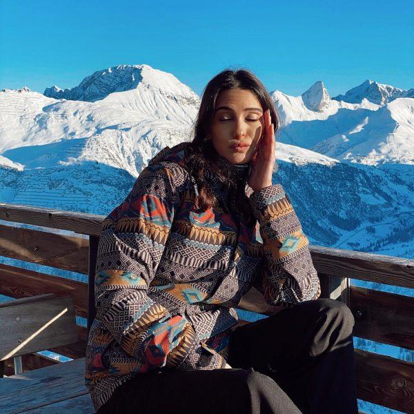 Doğrusunu bildiğim yalanları dinlerken ben 😏 #yavhehe Lech, Vorarlberg, Austria