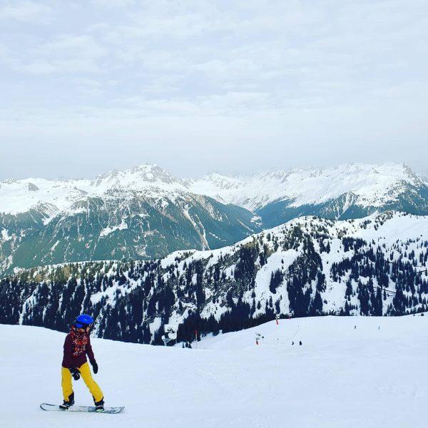 Silvretta in #Montafon hat traumhaft schöne Ski-Pisten!⛷ Mit ca 5h von Frankfurt aus perfekt für einen Wochenendtrip...