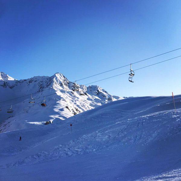 Skifahren am Sonnenkopf ☀️ . . . . #klostertal #visitklostertal #visitvorarlberg #skifahren #sonnenkopf ...