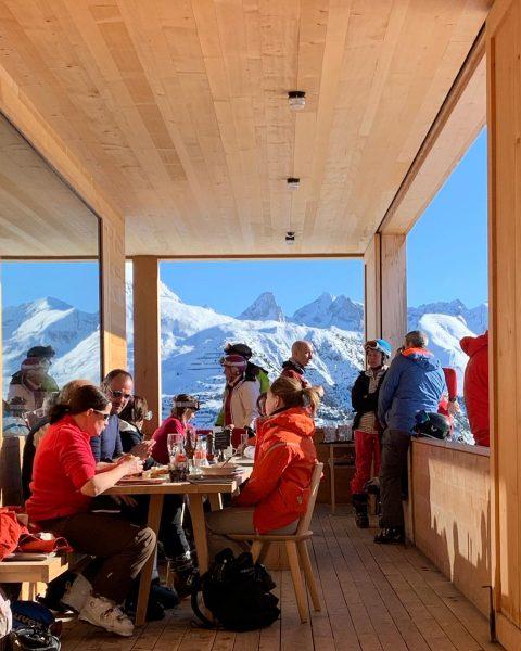 Perfect 💙 Der WOLF - Skihütte Lech
