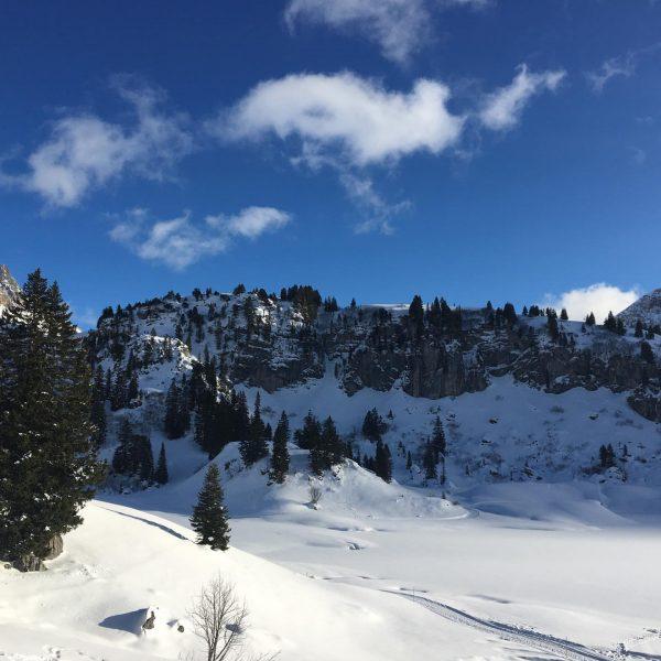 Love Skiing!🎿👍🏼⛷- #skifahren #skifoan #loveskiing #warthschröcken #mountains #alpen Körbersee