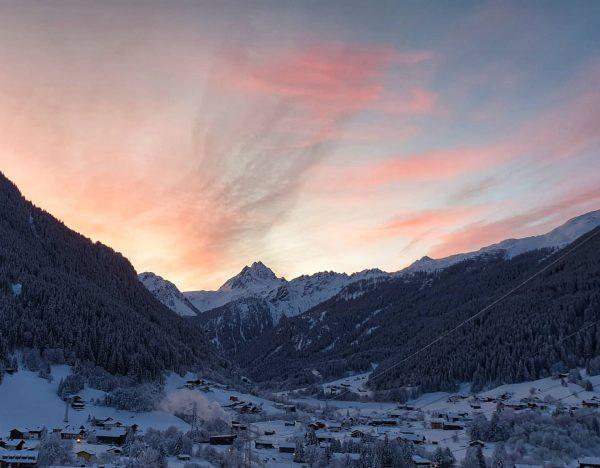 Amazing Sunrise Wunderschöner Sonnenaufgang in Gaschurn #austria #visittirol #tirol #vorarlberg #gaschurn #gaschurnmontafon #silvrettamontafon ...