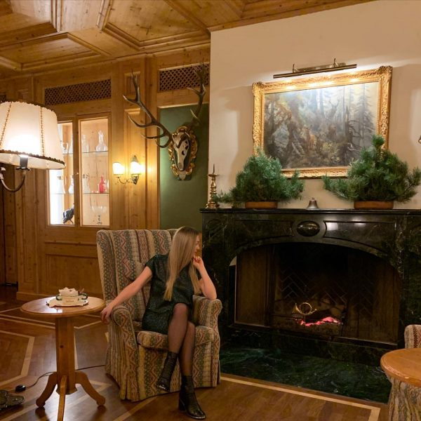 So lovely and warm hotel, in the center of Lech Resort with amazing ...