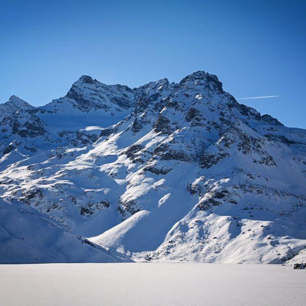Was für ein blick da oben am Silvretta-Stausee 😍 Im Winter wie im ...