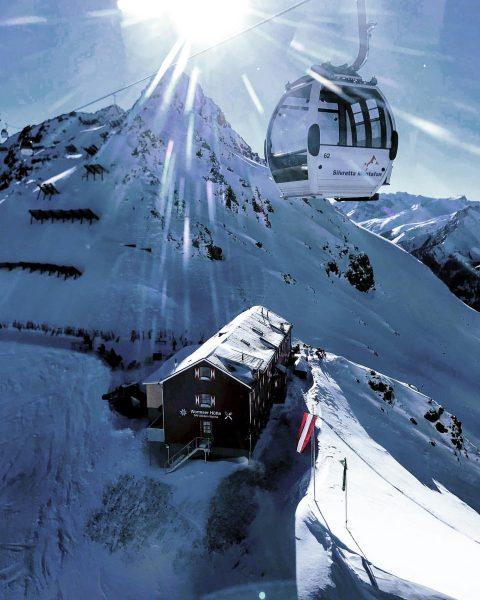 """⛷Silvretta Montafon⛷ in 🇦🇹 with view to the """"Wormser Hütte"""" 🗻🏠🗻 ☃️ #silvretta ..."""