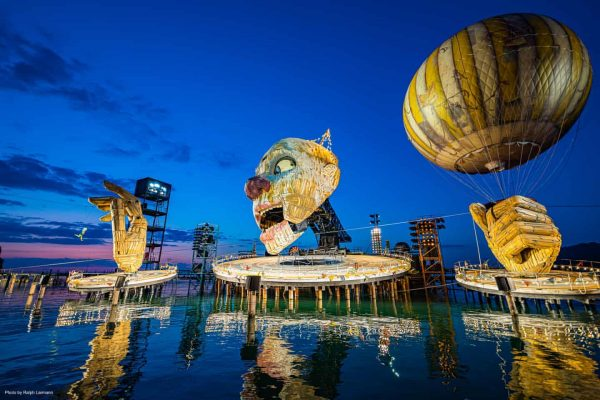 Für die im Sommer 2019 erstmals auf der Seebühne gezeigte Oper Rigoletto erhalten ...