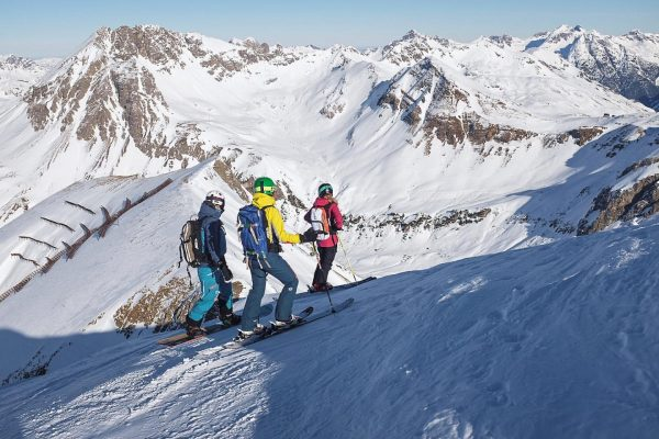 Squad 👌🏻. ________________________________________________ #powder #freeride #freeriding #lechamarlberg #lechzürs #lech #zürs #ski #skiing #arlberg #berge #mountains #schnee #snow...