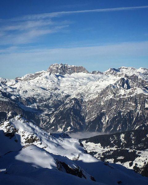 🌐 Bergwelten Happy hump day 🏔 ❄️💠❄️💠❄️💠❄️💠❄️💠❄️💠❄️ #gutenmorgen #stgallenkirch #montafon #vorarlberg #austria #austrianalps ...