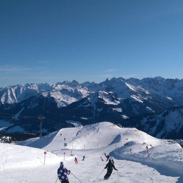 #skisaison20192020 #ski #skitage12bis14von21 #kleinwalsertal #riezlern #ifen #kanzelwand #plattform #apresski #schnitzel #sonnaalp #berge #schnee ...