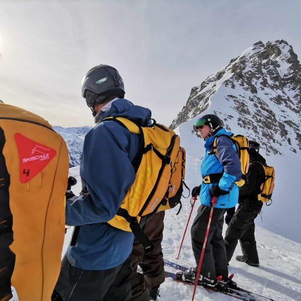 Auch diese Wochen hatten wir eine Skitour mit besten Verhältnissen. 🏔️💯 #skitour #warthschröcken ...