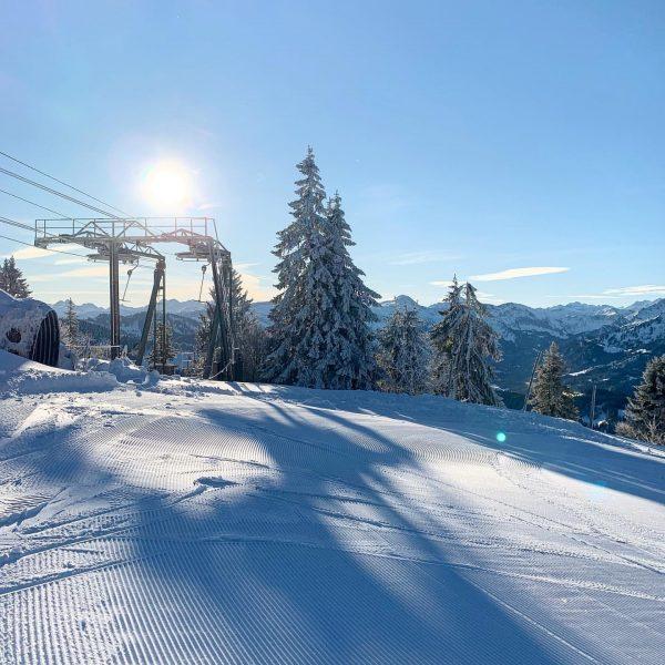 Traumtag am #hochhäderich ☀️⛷🏂 . . . . #skischulehochhaederich #bregenzerwald #vorarlberg #austria #sun ...