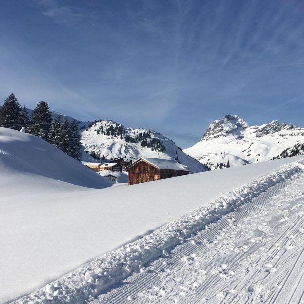 Picture postcard prettiness 🍀. . . . #warth #warthamarlberg #skiing #skiinskiouthotel #wanderlust #apartments ...