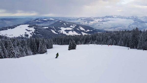 #skifahrenambödele = #pisteninallenschwierigkeitsgraden #skifahrenmitaussicht #superlage #idealfürfamilien #tollehütten u.v.m. 🎿👍😎 . . . #schwarzenbergbregenzerwald ...