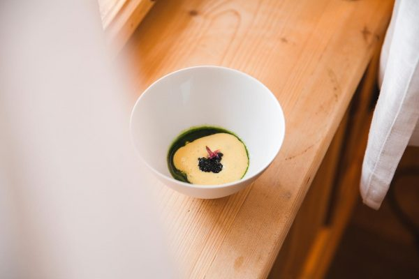 Stör | Linsen | Kaviar 📸 by @west_werbeagentur Rote Wand Chef's Table im ...