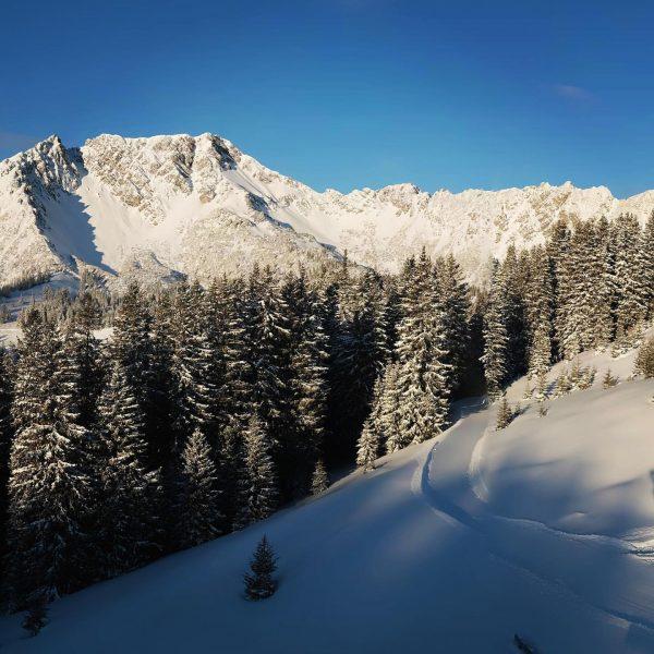 Fantastic conditions in the #Brandnertal - a white winter landscape, sunshine, blue sky ...