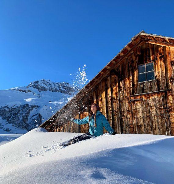 Finally snowing in Vienna ❄️💙 #wintervibes #lechamarlberg #winterwonderland #sunnysideoflife Oberlech, Vorarlberg, Austria