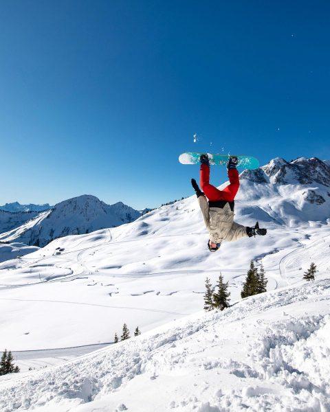#snowboarding #action in #faschina #bregenzerwald #visitbregenzerwald #vorarlberg #austria #alpen #visitaustria #ig_austria #alpenliebe_official #bestmountainartists ...