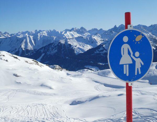 THEDATOURS- Kleinwalsertal-Winterwanderreise 18.-25. Januar 2020 . #kleinwalsertal #österreich🇦🇹 #winterwandern #wandern #wanderreisen #schnee #schneewanderung ...