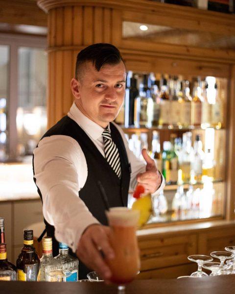 Klassischer Manhattan, braver Virgin Colada oder doch der freche Tequila Sunrise🍸🍹Welcher Cocktail ist ...