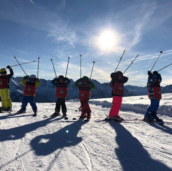 """Einheimischen Kurs """"Race Kids"""" mit Skilehrer Christian am Ifen & Kanzelwand #skischuleriezlern #kleinwalsertal ..."""