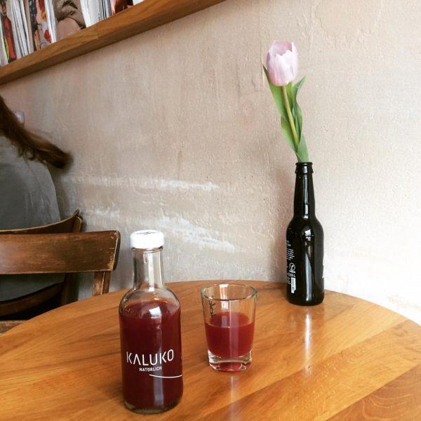Rechtzeitig zum Frühlingsbeginn bei uns erhältlich ... #kaluko #kaluko_natürlich #tonstube #teegetränk Cafesito