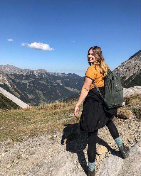 #hiking#hikingadventures#beatifuldestinations#austria#birthday#birthdaygirl#bluesky#nature#naturelovers #arlberg#brand#lünersee#totalphütte Totalphütte