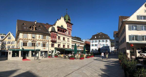 Jer mi to zaslužujemo! ☀️🍀👌🏻🍁 #dornbirn #austria Marktplatz Dornbirn