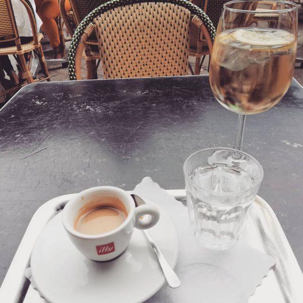Relaxing bevor work starts.... Cafe Steinhauser