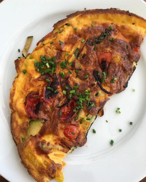 Veggie-Omlette zum Frühstück Theatercafé Bregenz