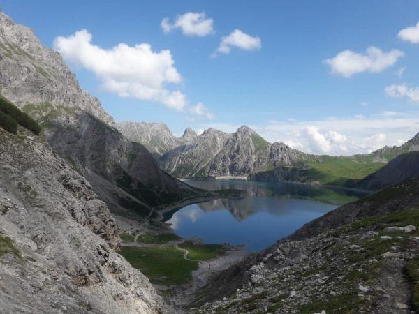 ...Totalp-Hütte... #rätikon #totalphütte #familyday #wanderlust #25082018#lünersee #alpenverein #alpin#brand #wasgiebtesschöneres #bergeerleben #strichmännchen #🗻🌞 Totalphütte