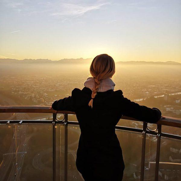 #YouOnlyLiveOnce #girlbehindthecamera #bestclickmoment #nofilterneeded #whataview #unterwegsstattnurdaheim #sunset #sonnenuntergang #sunsetlovers #skyporn #mountainlove #sunset_captures #sunkeepsmealive ...