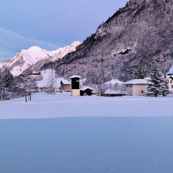 Ein neuer Tag erwacht, das Herz und die Sonne lacht #winterwonderland #skiing #freshpowder ...