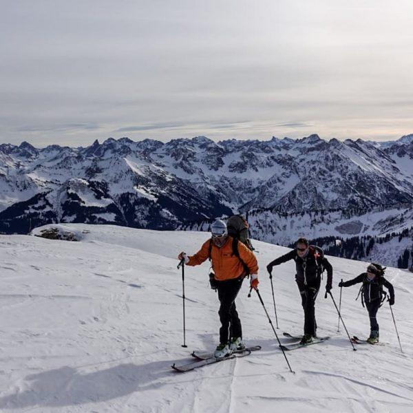 #skiridevorarlberg Halbzeit, sind in #stuben angekommen :-) Morgen geht's weiter in Richtung #montafon ...