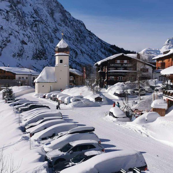 Mega Skitag gestern am Arlberg #winter2020 #arlberg #skiarlberg #freeride #dayoff #nosnownoshow Lech Zürs ...