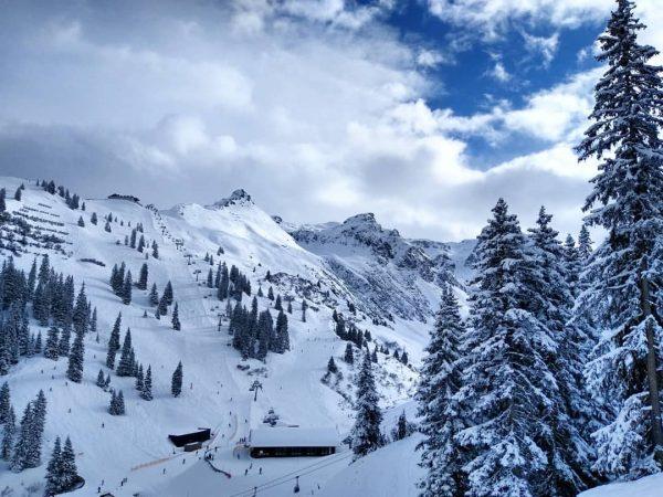 Umwerfend schön. #wiemansieht #skillssindda #silvrettamontafon #vorarlberg #austria #snow #winter #skiing #snowboarding #naturelovers #outsideisfree ...