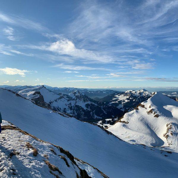 Panoramablick vom Hahnenköpfle/Ifen ➡️➡️ #hahnenköpfle #panoramablick #rietzlern berge #mountains #winter #skigebietifen #snö #schnee ...
