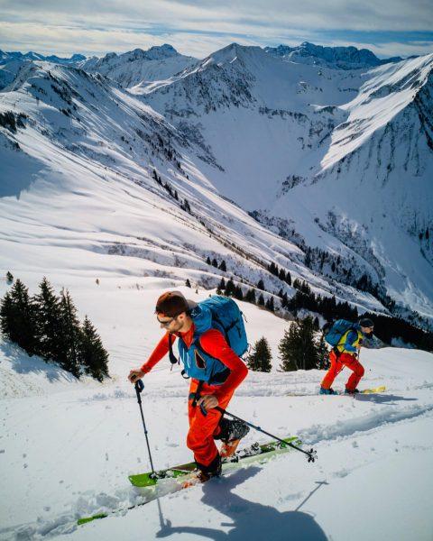 Skitour Grünhorn 2.039m & Steinmandl 1.982m⛷☀️ . #Grünhorn #Steinmandl #Schwarzwasserhütte #Bregenzerwald #Vorarlberg #Diedamskopf ...