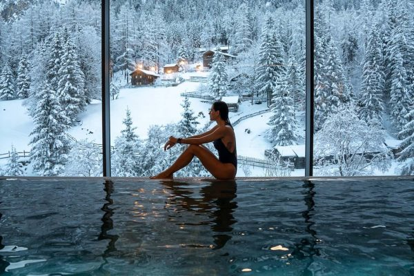 When you don't need to leave the hotel's pool to contemplate nature. #myvorarlberg ...