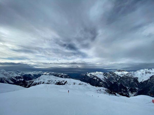 #Schnee kommt #esgibtkeinschlechteswetternurschlechtekleidung #skiing #schifahren #winter #sonnenkopf #visitaustria #visitvorarlberg #visitklostertal #klostertaltravel #fewo #ferienwohnung ...