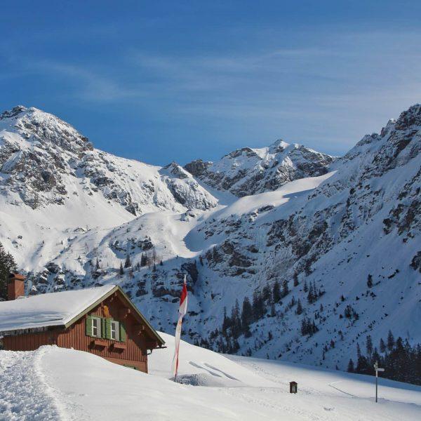 #landscape #landscapephotography #alps #alpen #kleinwalsertal #schneezauber #winterwonderland #austria #vorarlberg #österreich #mountains #winter #snow ...