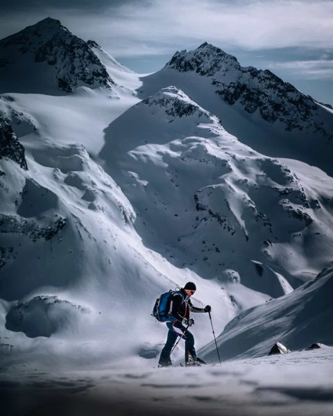 Feeling small surrounded by such big mountains. 🏔️ 🏔️ 🏔️ #montafon #silvrettamontafon #skitouring ...
