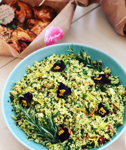 #bulgursalat #veilchen #petersilienpesto #karotte #salat #salatliebe #catering #begeisterei💕