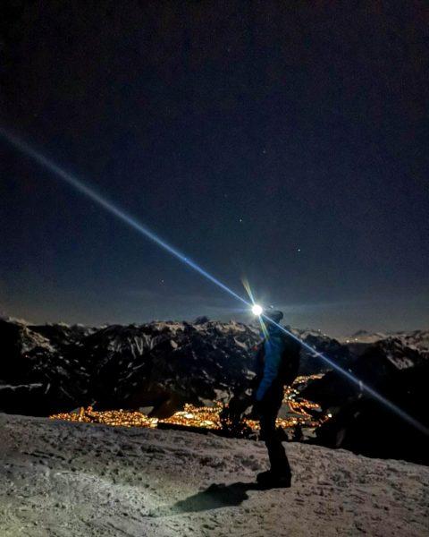 #bergsüchtig #bergkind #bergwelten #nachderarbeit #derbergruft #freundeunterwegs #zusammenhalt #hochhinaus #heimatliebe #aussichtgenießen #ichbindraussen #skitour #vorarlberg ...