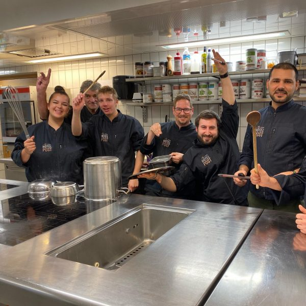 Unsere Küchencrew gibt alles!!!! Danke Jungs und Mädels ❤️👍 #familienurlaub #wanderurlaub #jagdurlaub #mountainbikeurlaub ...